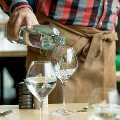 HEIJBLOM FOTOGRAFIE-Evenementenfotografie-Spryg-Duurzaam-Vastgoed-inschenken-wijn