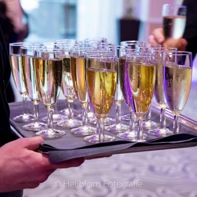 HEIJBLOM FOTOGRAFIE-Evenementenfotografie-Spryg-Vlaamse-Omgevingsvergunning-2017-uitdelen-van-champagne