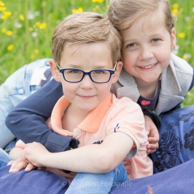 HEIJBLOM FOTOGRAFIE-Familiefotografie-Biesbosch-broer-en-zus