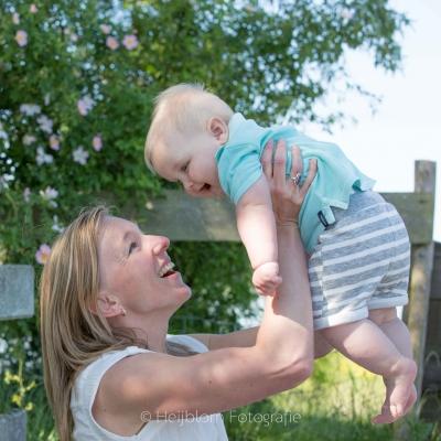 HEIJBLOM FOTOGRAFIE-Familiefotografie-Strijen-Sas-moeder-met-kind