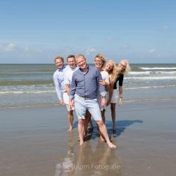 HEIJBLOM FOTOGRAFIE-Familiefotografie-familie-op-het-strand