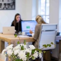 HEIJBLOM FOTOGRAFIE-Websitefotografie-medewerkers-aan-het-werk