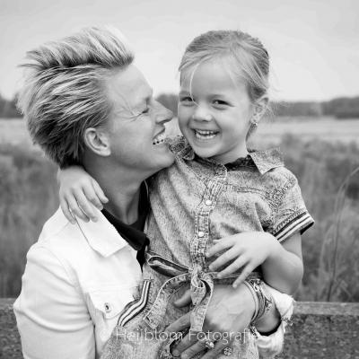 HEIJBLOM FOTOGRAFIE-familiefotografie-Numansdorp-samen-lachen