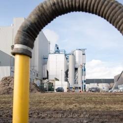 Heijblom-Fotografie-Bouwfotografie-doorkijkje-zwarte-slang-met-op-de-achtergrond-BMC