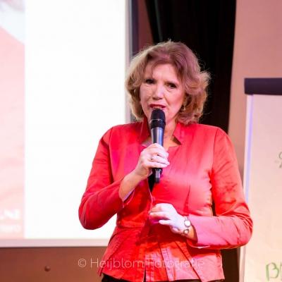 HEIJBLOM FOTOGRAFIE-Wilma-Dartel-geeft-presentatie-Baanzinnig-Coach-Event